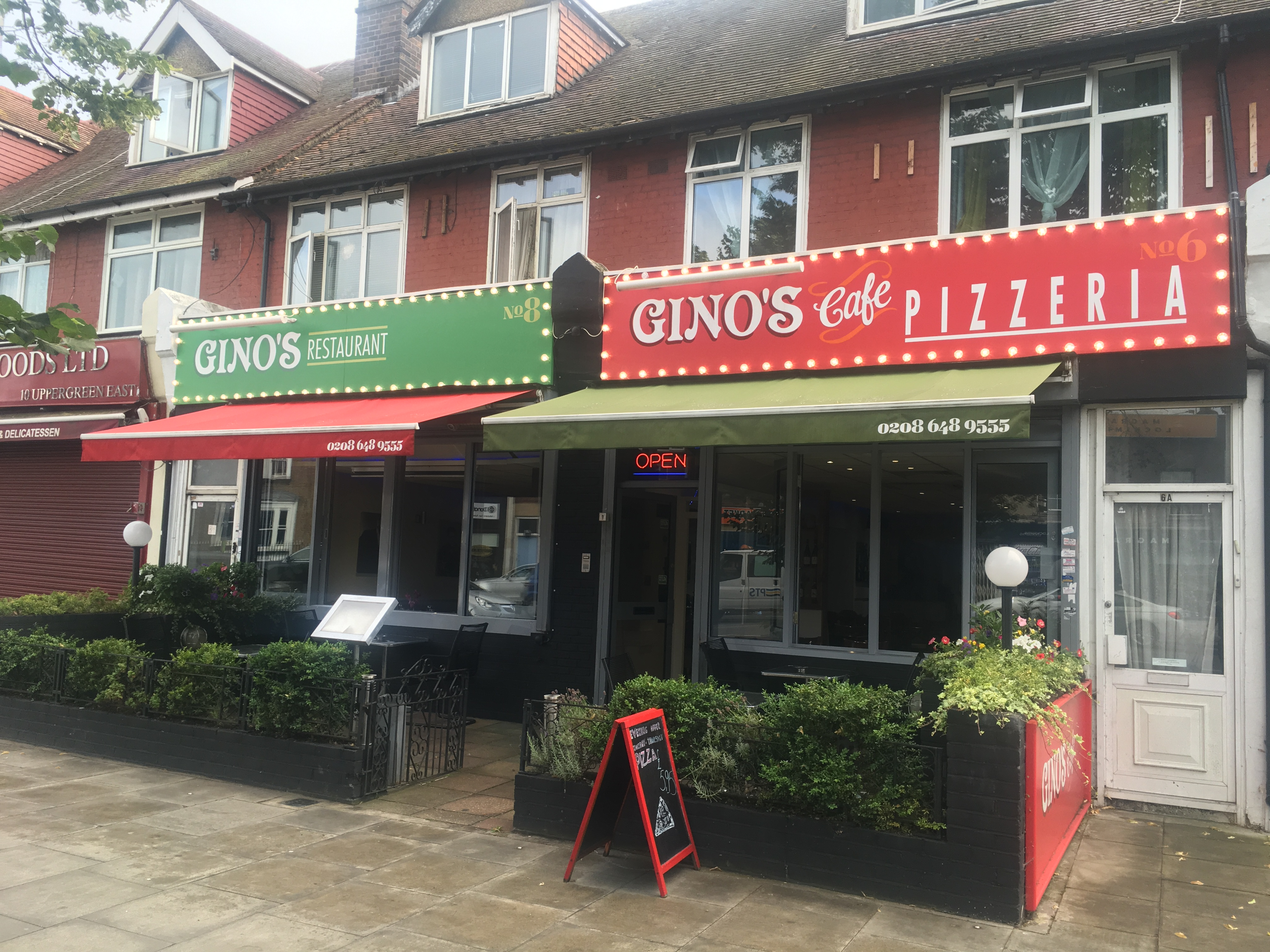 Gino's restaurant and pizzeria in Micham - image